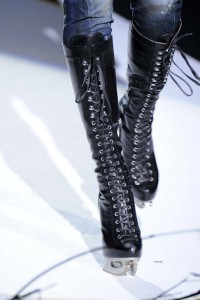 Ready_to_Wear_Fall_Winter_2011_12_DSquared2_details_Milan_February_2011